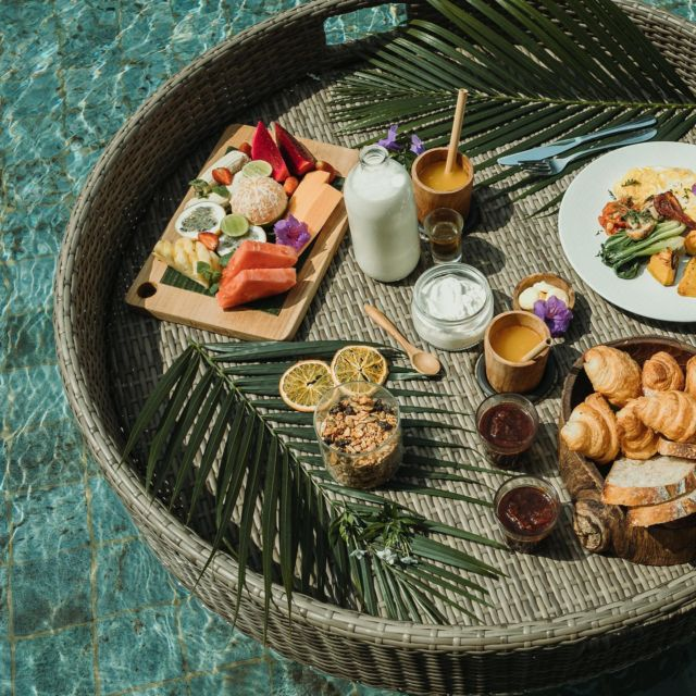 Relax in the comfort of your private pool. All you have to do is slip into your swimwear to enjoy your floating breakfast in a setting overlooking the breathtaking beauty of Ubud's terraced landscape. #kclububud . For the best guarantee rate, please book by clicking the link in our bio.